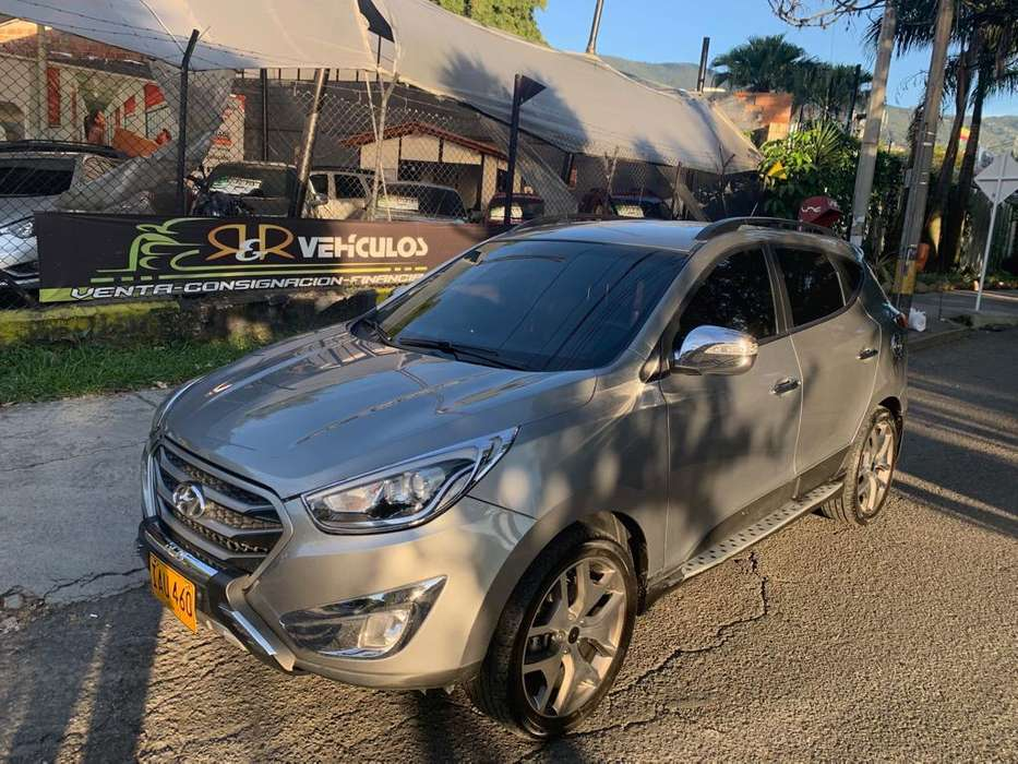 Hyundai Tucson ix-35 2015 - 84400 km