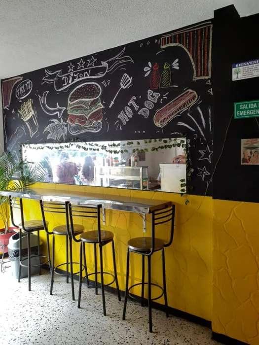 Se Vende Restaurante en Zona Comercial