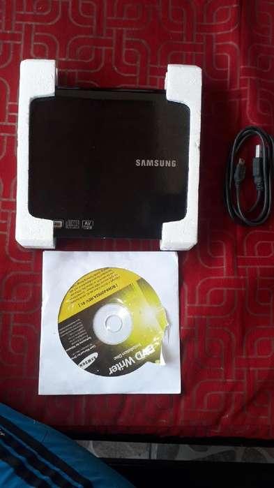 Vendo Unidad de Dvd Externa Samsung