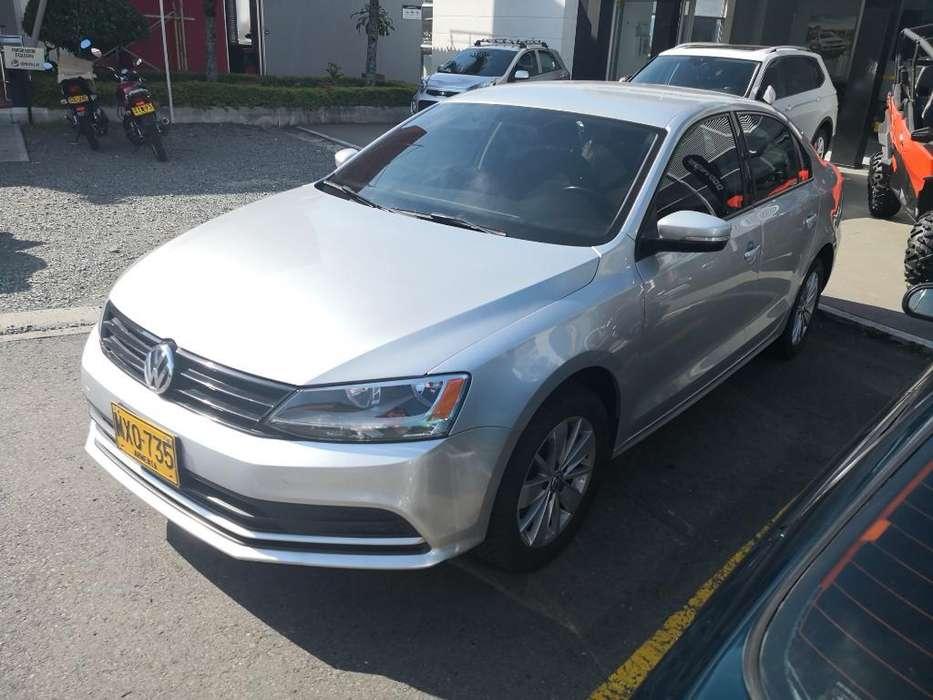 Volkswagen Nuevo Jetta 2015 - 75000 km