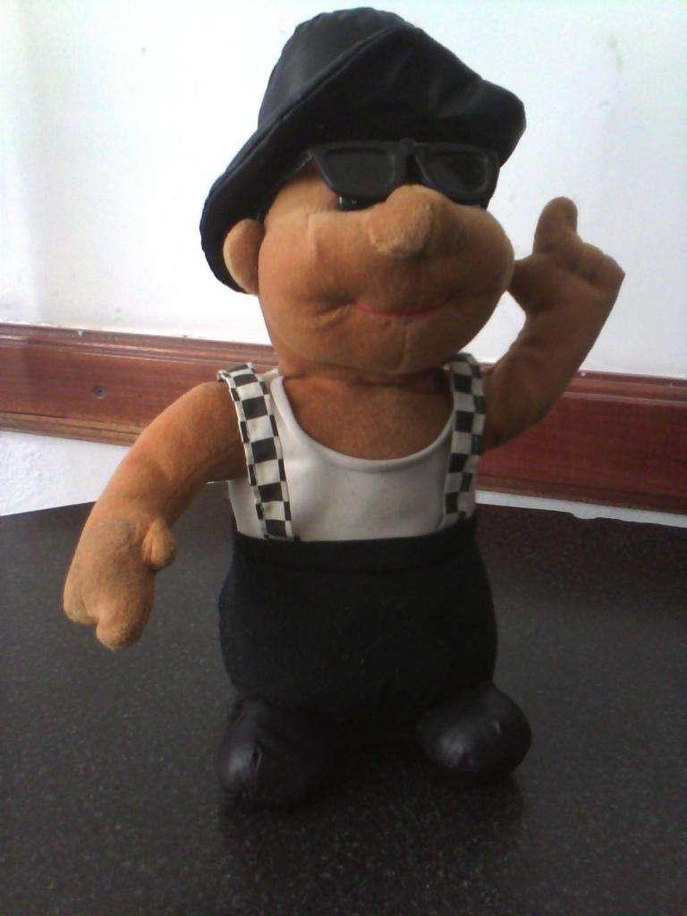 Muñeco canta y baila 350