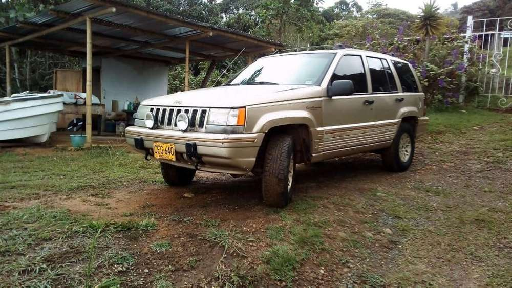 <strong>jeep</strong> Cherokee 1996 - 250000 km