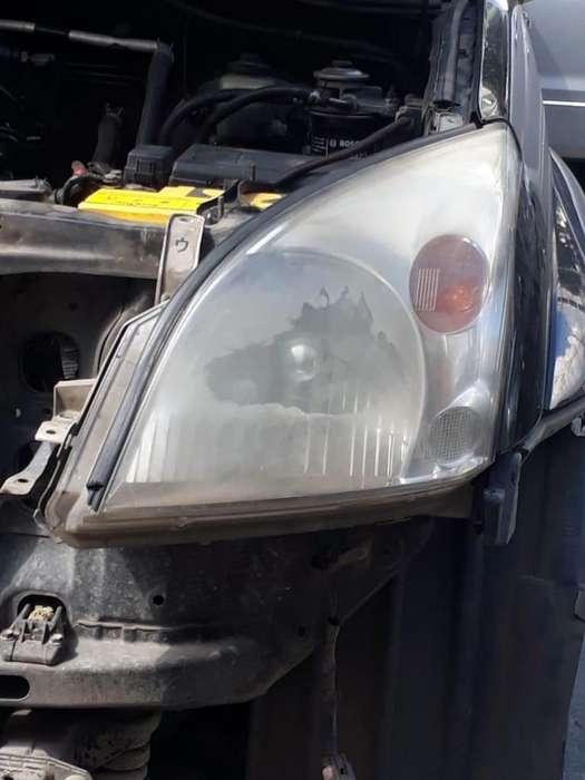 Pulimos y restauramos las farolas y stops de su vehículo.
