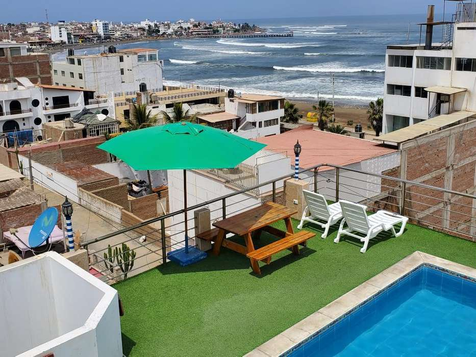 Casa de Playa con Piscina Huanchaco