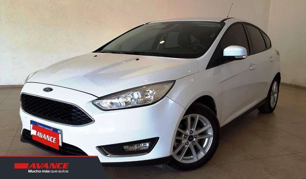 Ford Focus 2017 - 32000 km