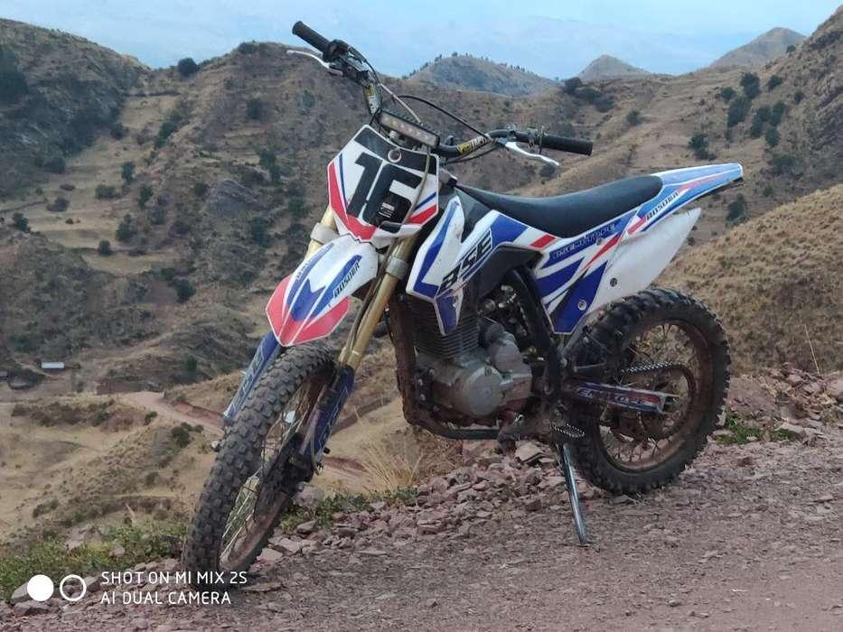 Moto Bosuer Rusa 150cc