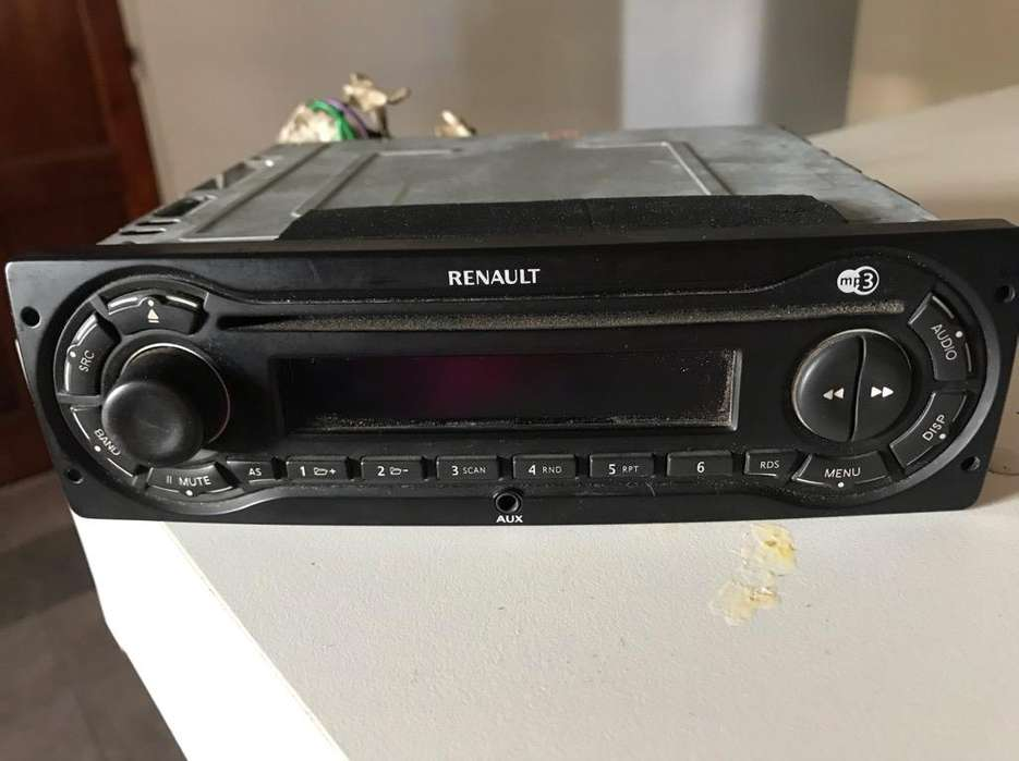 Stereo Renault Clio