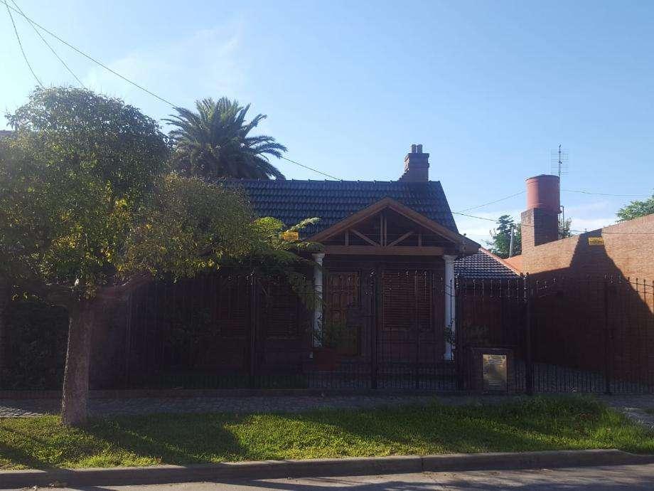 Casa en alquiler en Quilmes Sur