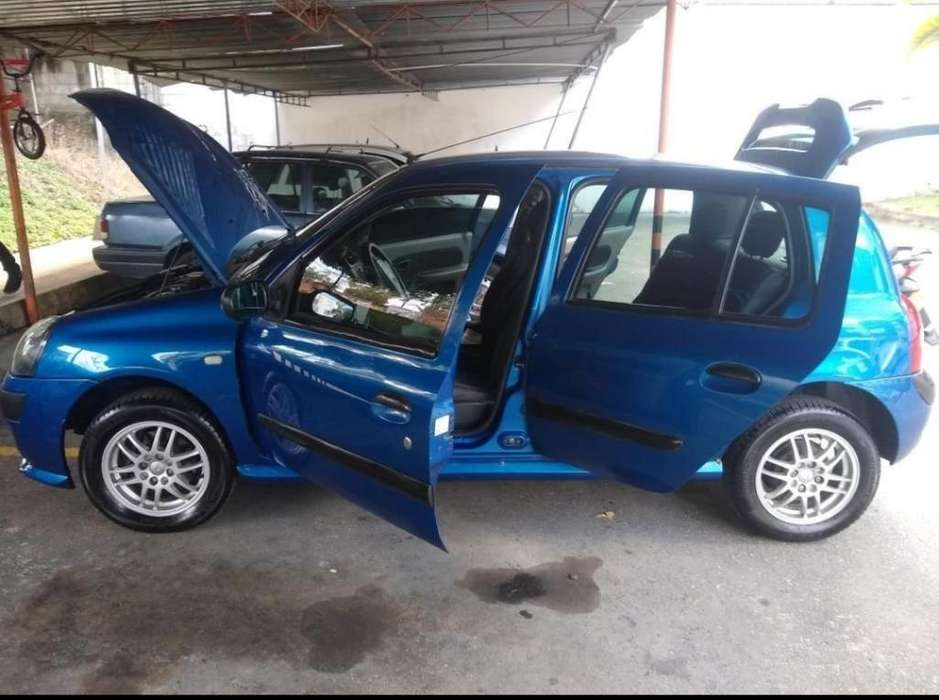 Renault Clio  2004 - 199000 km