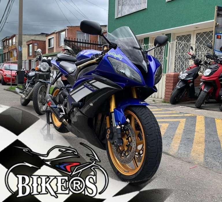 Yamaha R6r 2012, Excelente estado, RECIBO TU MOTO EN PARTE DE PAGO!!