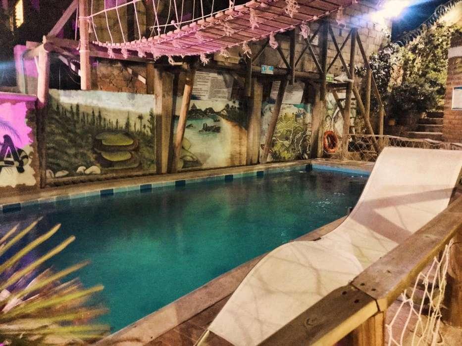 Hospedaje bien ubicado con piscina, mesa de billar y amplias zonas verdes