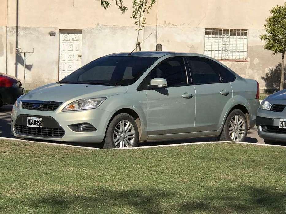 Ford Focus Sedán 2010 - 150000 km