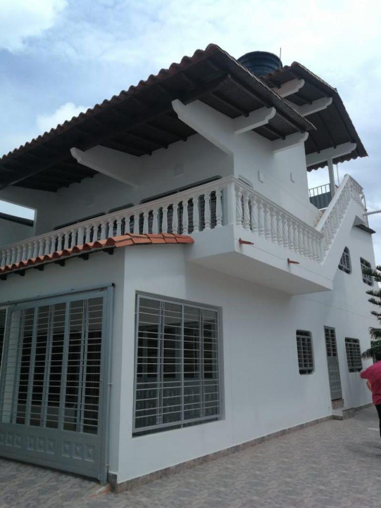 Casa En Venta En Cúcuta Los Patios, Altamira Cod. VBVRA-399