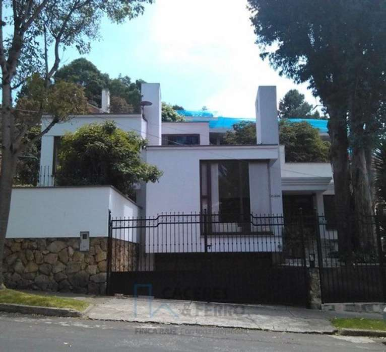 Casa En Venta En Bogota Santa Ana Oriental-Usaquén Cod. VBCYF20233