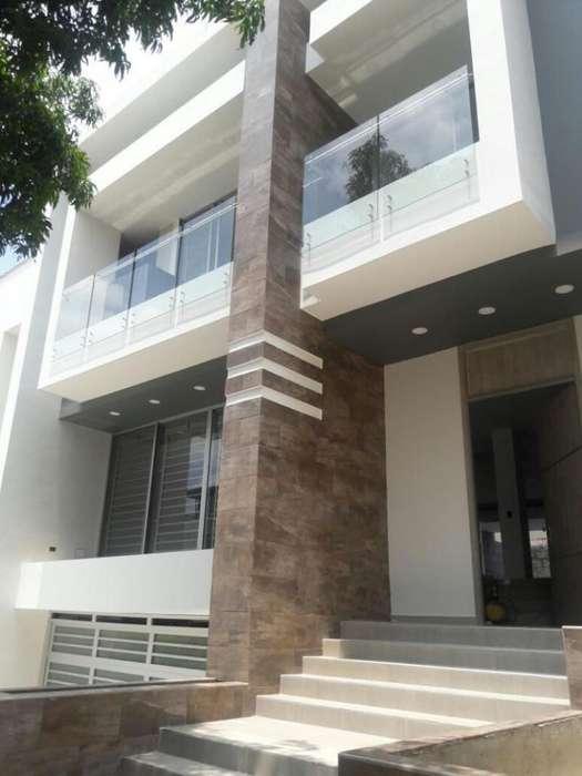 Casa En Venta En Cali <strong>ciudad</strong> Jardín Cod. VBSBI10629