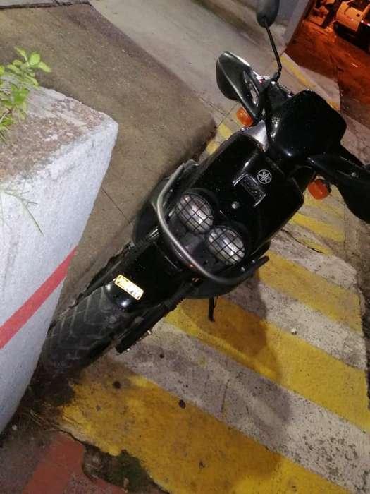 Moto Bwis 100 con Carpeta 2008