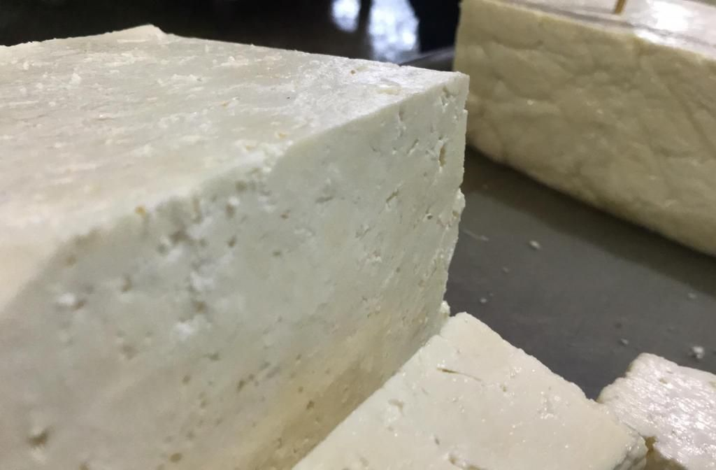 Queso Semiduro Bloque (Precio X Kilo)