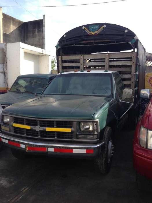 Chevrolet Cheyenne 3500, 8V, 5.7L, 3.5 Toneladas, Estacas