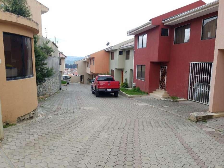 C953 2 Casas dentro de condominio, sector Tejar