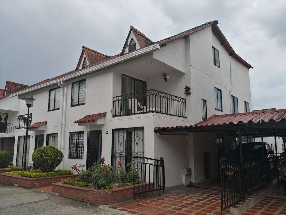 Casa Venpermuta Pereira Sector Unicentro