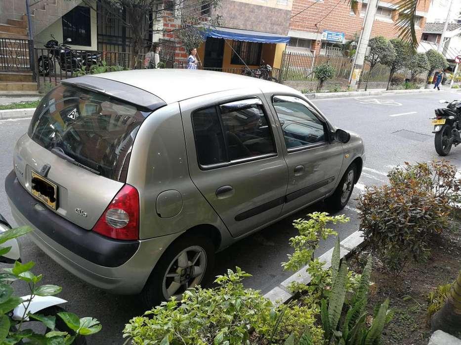 Renault Clio  2003 - 121000 km