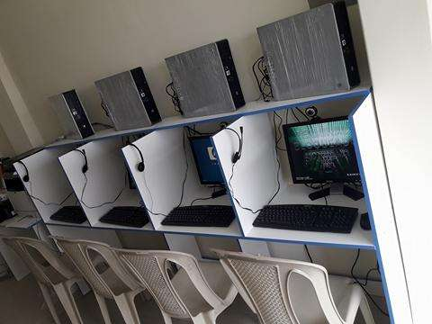 CYBER PARA NEGOCIO 4 COMPUTADORAS A PRECIO PROMOCIONAL