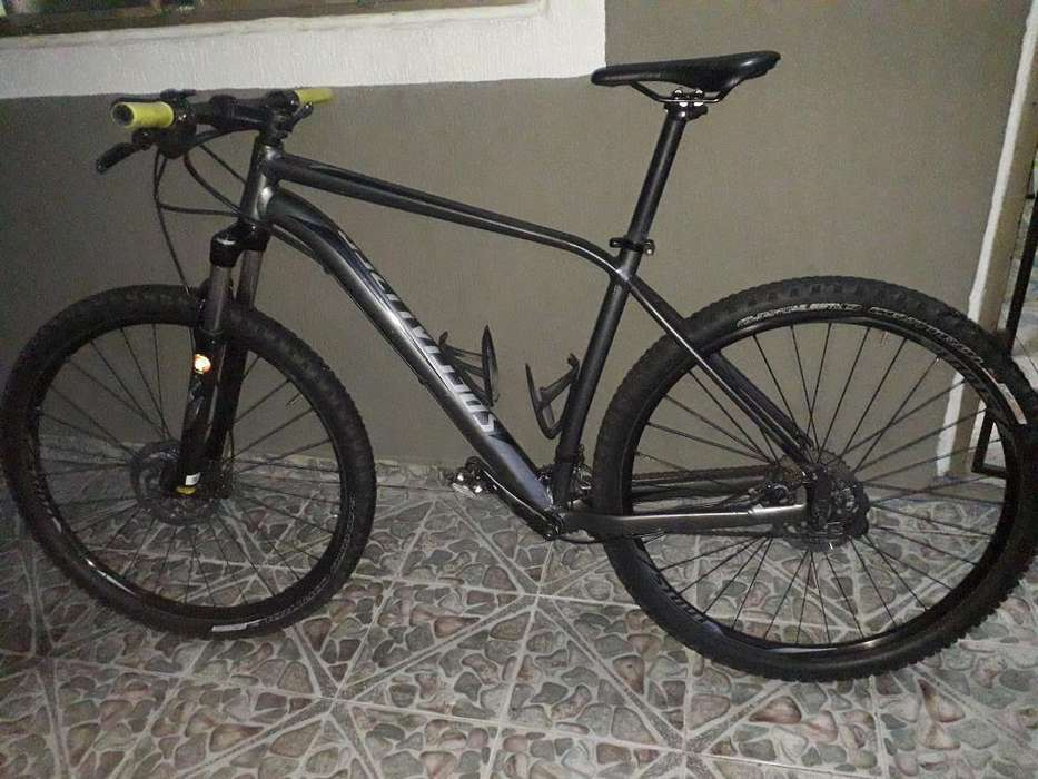 Bicicleta, Specialized, Rockhopper 2017