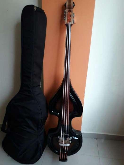 Baby Bass Nuevo con Estuche Original