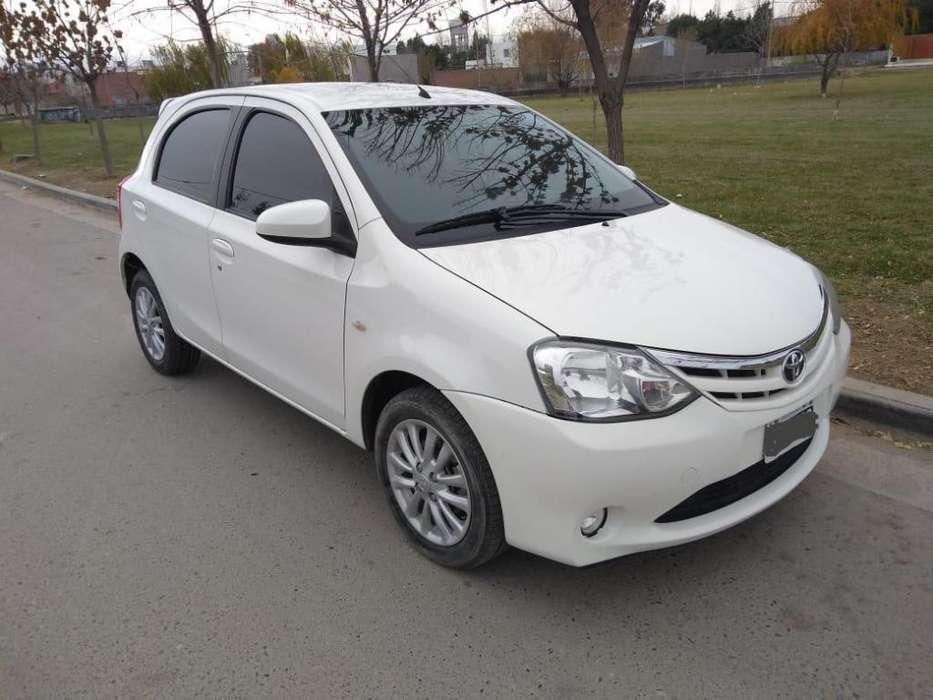 Toyota Etios 2013 - 75000 km