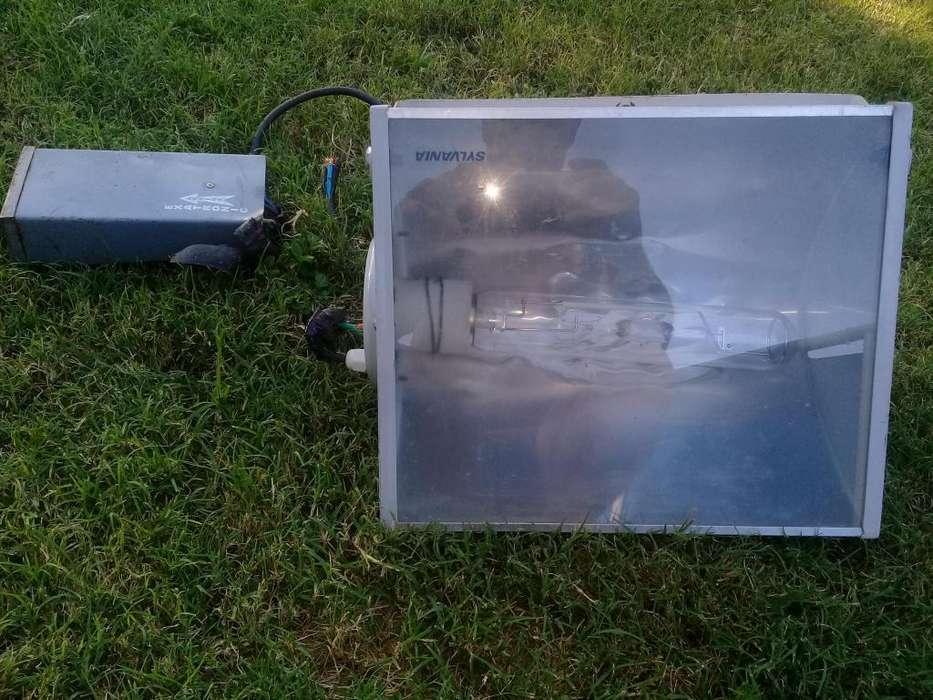 Reflectores mercurio halogenado de 250 y 400 w
