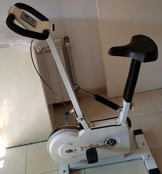Bici Fija .156572370