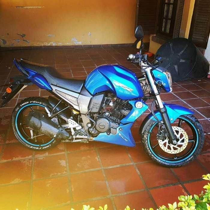 Hermosa <strong>yamaha</strong> Fz Modelo 2014
