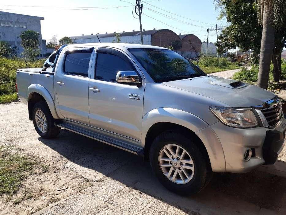 Toyota Hilux 2014 - 86000 km