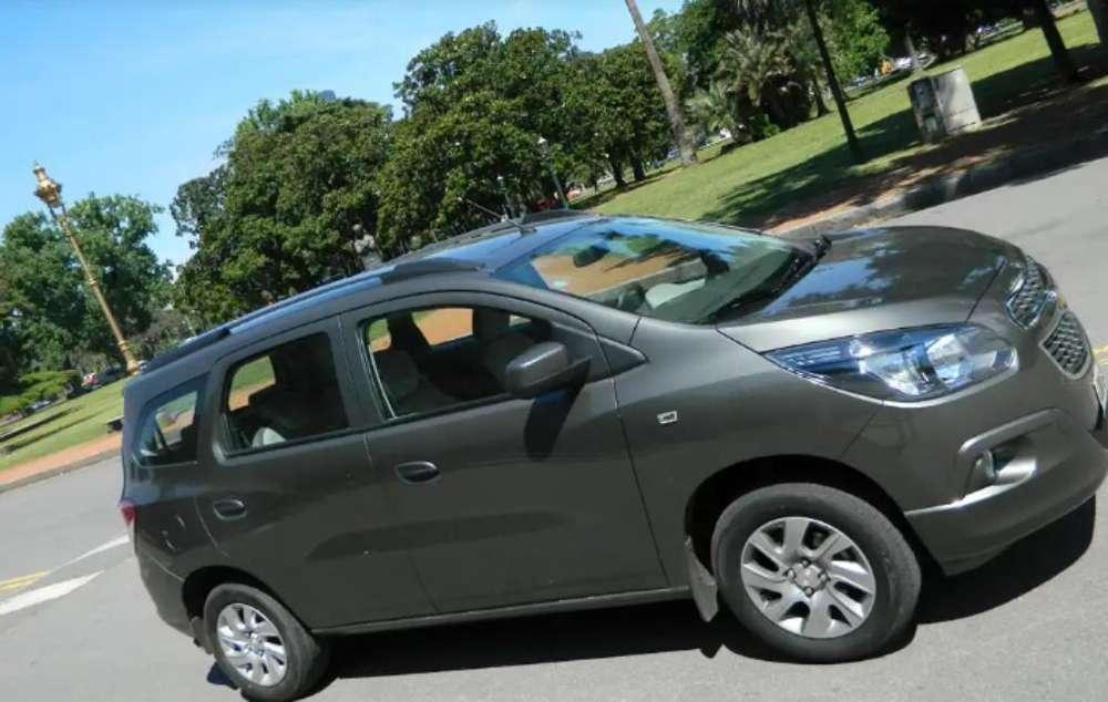 Alquiló Chevrolet 7 Pasajeros