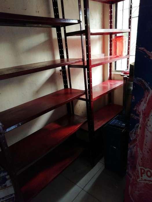 3 <strong>estantes</strong> Rojos en Buen Estado