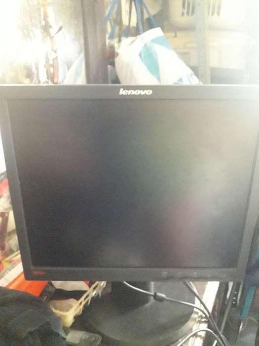Monitor Lenovo 17 Pulgadas Usado