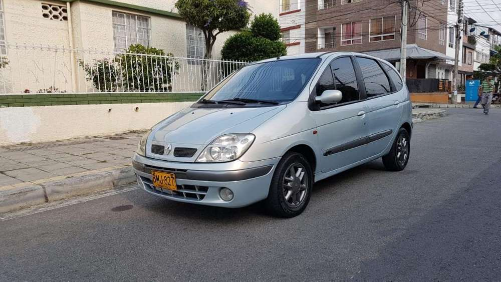 Renault Scenic  2002 - 150000 km