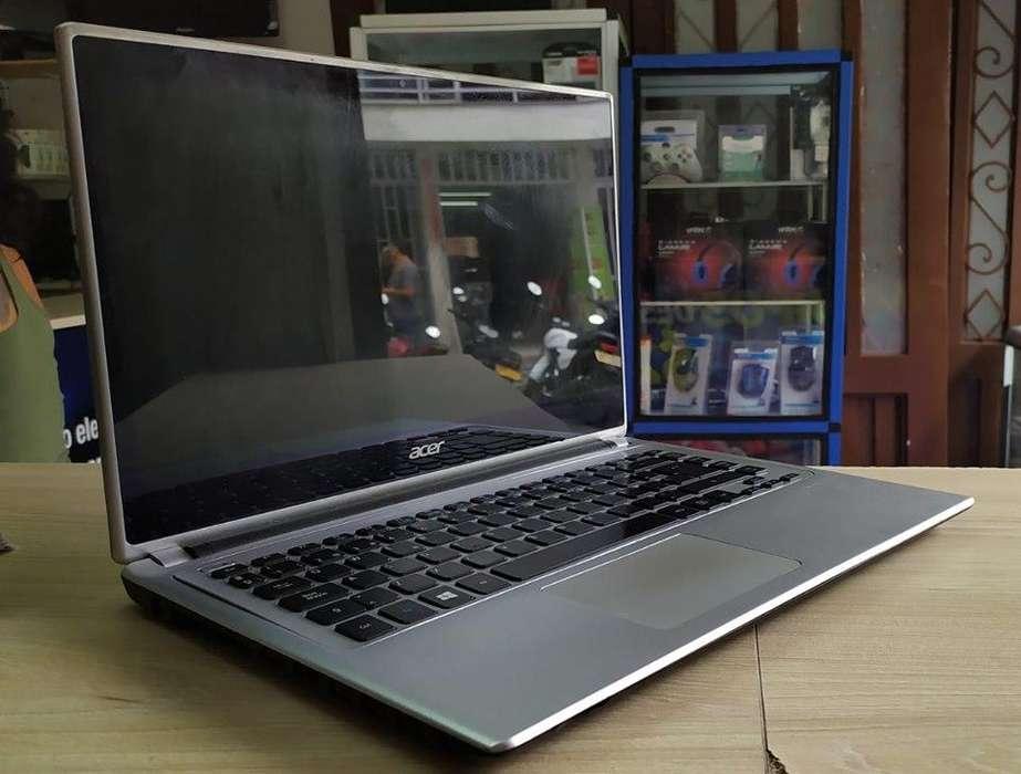 Portátil Acer táctil, delgado, en excelente estado