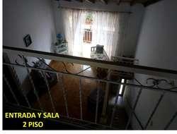 vendo casa BIFAMILIAR, 4 habitaciones por piso, con opción de construir 2 mas en el 3 piso