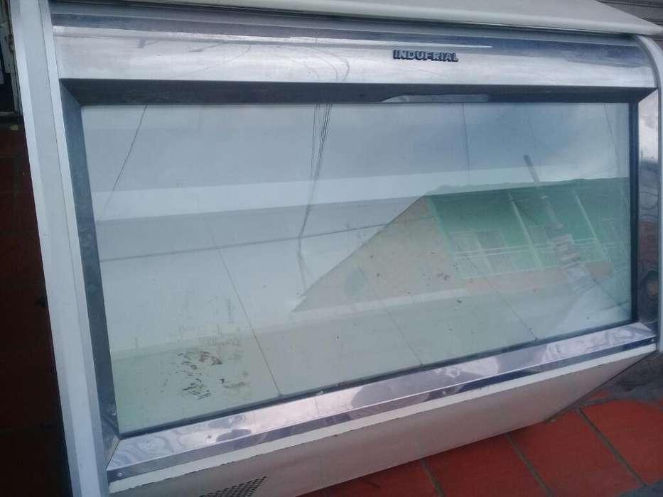 Tanque <strong>vitrina</strong> con Congelador