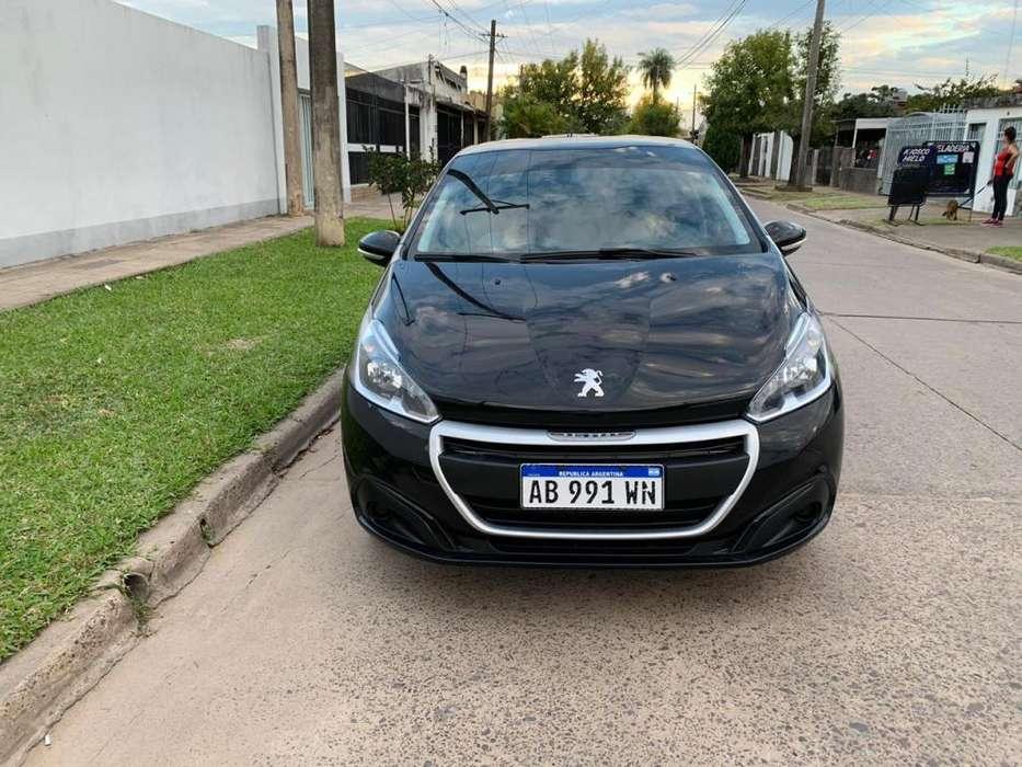 Peugeot 208 2017 - 22000 km