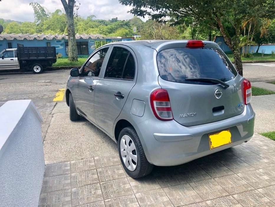 Nissan March 2013 - 115800 km