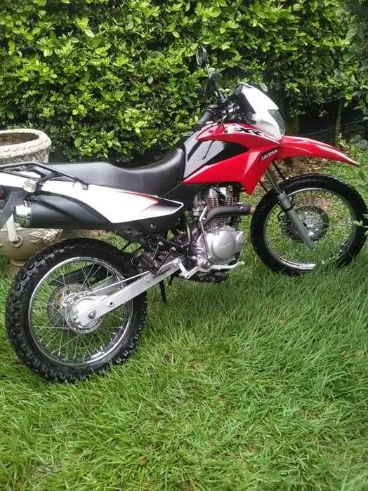 Vendo Moto Rx Modelo 2016