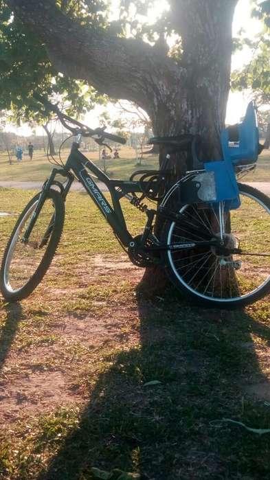 Vendo Bici con Sillita Cm Está
