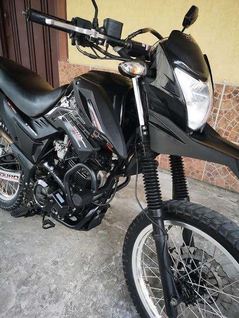 VENDO AKT TT R 200 MDLO 2019 PPLES ENERO 2020