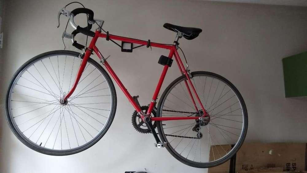 Vendo bicicleta media carrera usada