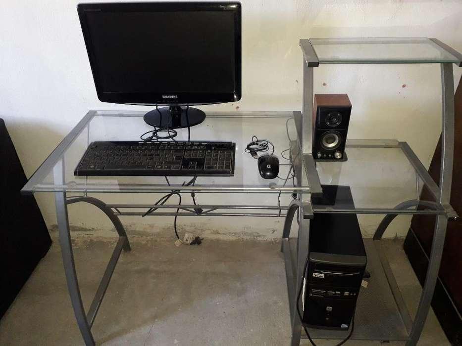 Computadora Y <strong>escritorio</strong> de Vidrio
