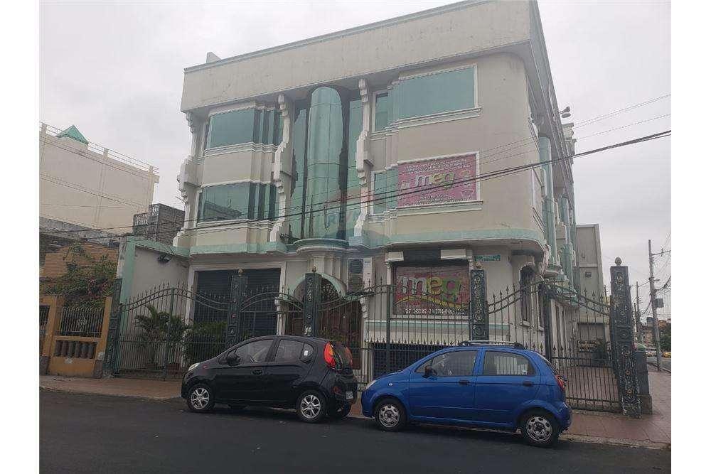 En Venta <strong>edificio</strong> Esquinero en Vélez y Tulcán