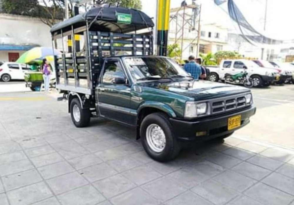 Mazda B-2200 1996 - 200000 km