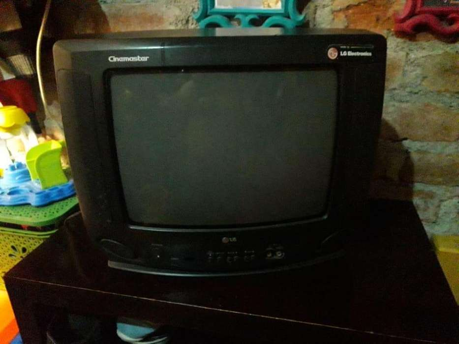 TV DE 14 PULGADAS A CONTROL REMOTO